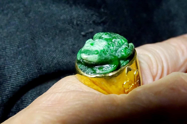 Jade Albite Frog Ring - Regnas Jewelry