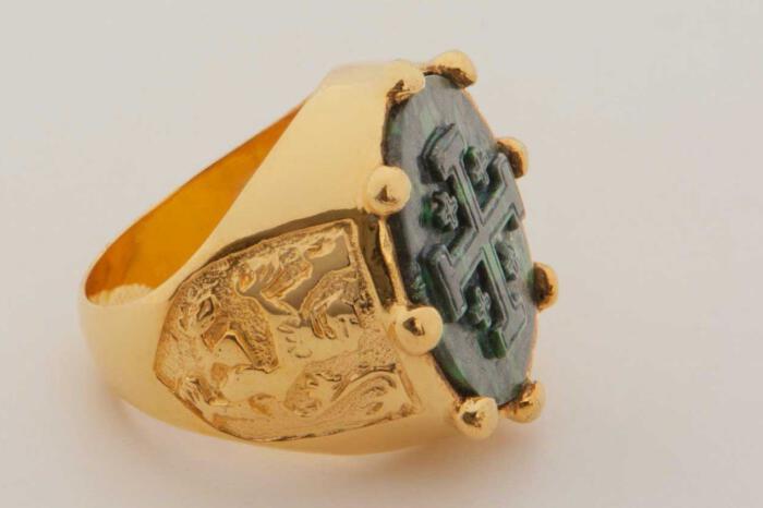 Jerusalem Cross ring - Jade Albite
