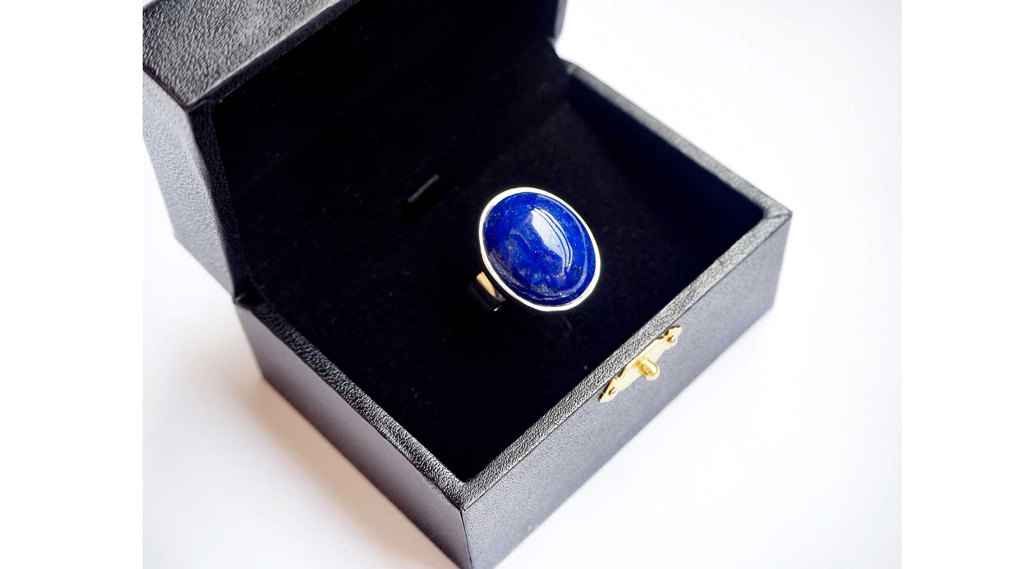 Lapis Cabochon ring - Silver