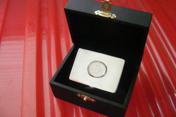 Crystal Pillbox Unique Family Crest Sterling Silver Regnas Gift Below Cost Price 925