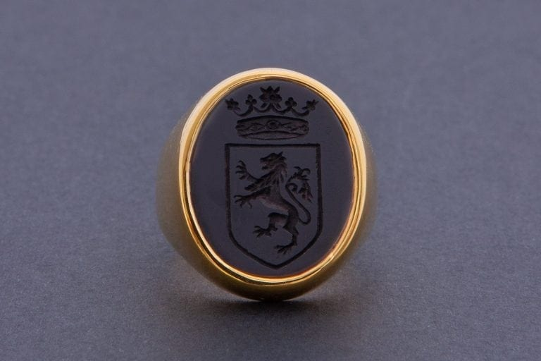 Lion and Crown Ring Superb Intaglio Black Onyx Gemstone Gold Plated Sterling Silver.