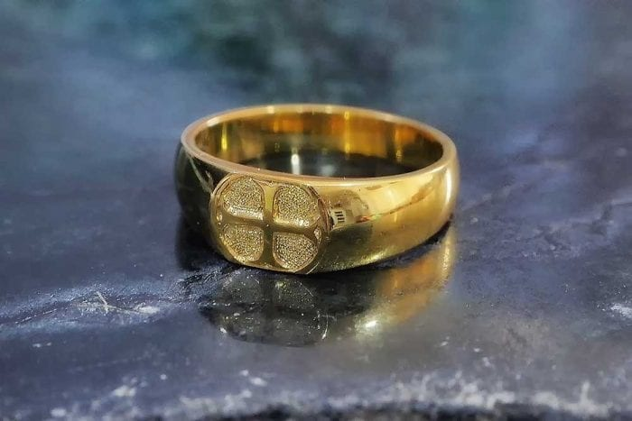 Antique Templar Cross ring reproduction - Regnas Jewelry