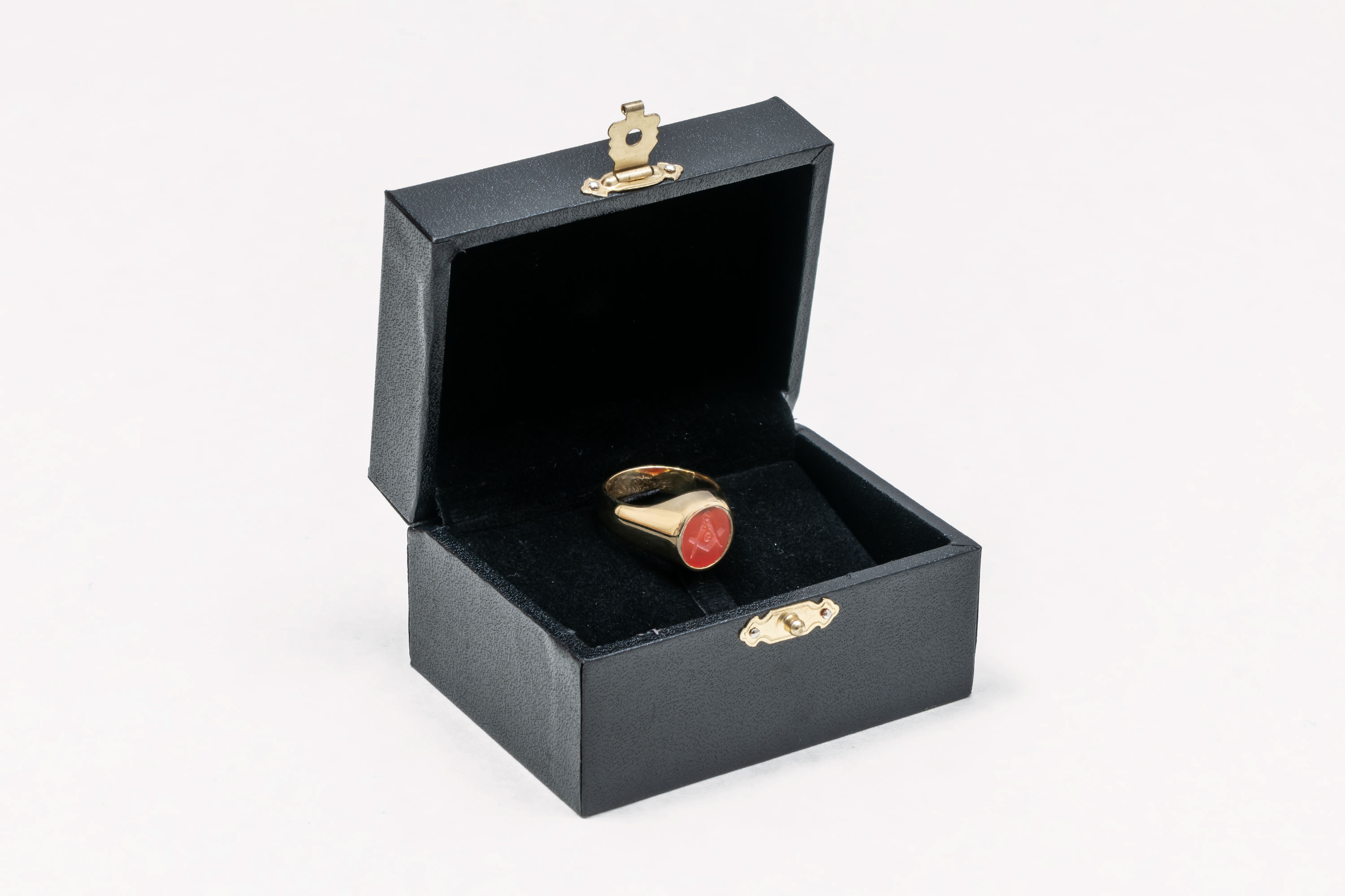 Gold Red Agate Ring