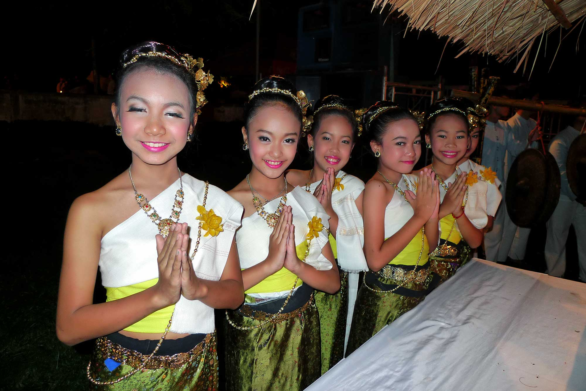 Thai girls at the parade
