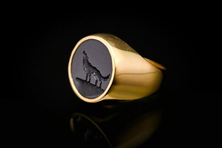 Wolf Ring Black Onyx 18 k Gold Plated