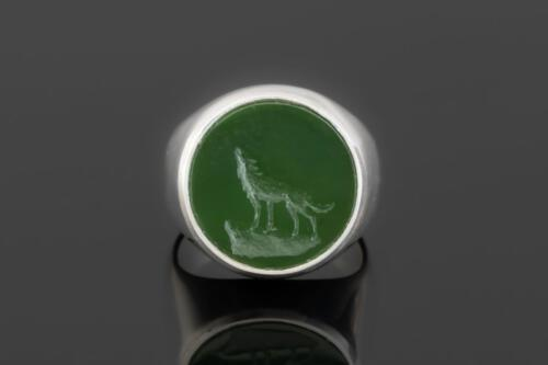 Jade Howling Wolf on Sterling Silver 925