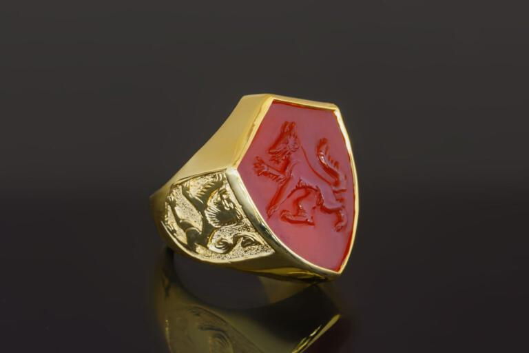 Carved Wolf Ring With Lion of Scotland