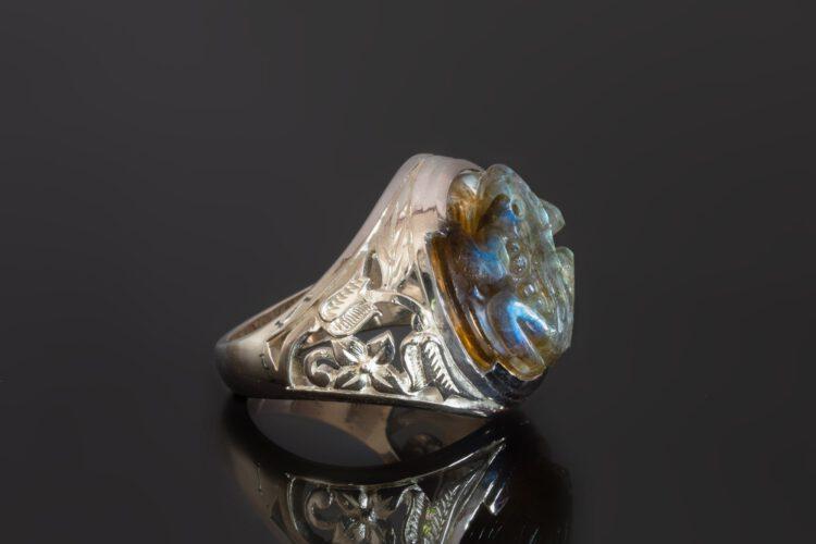 Labradorite Frog Ring - Floral Shoulders - Sterling Silver
